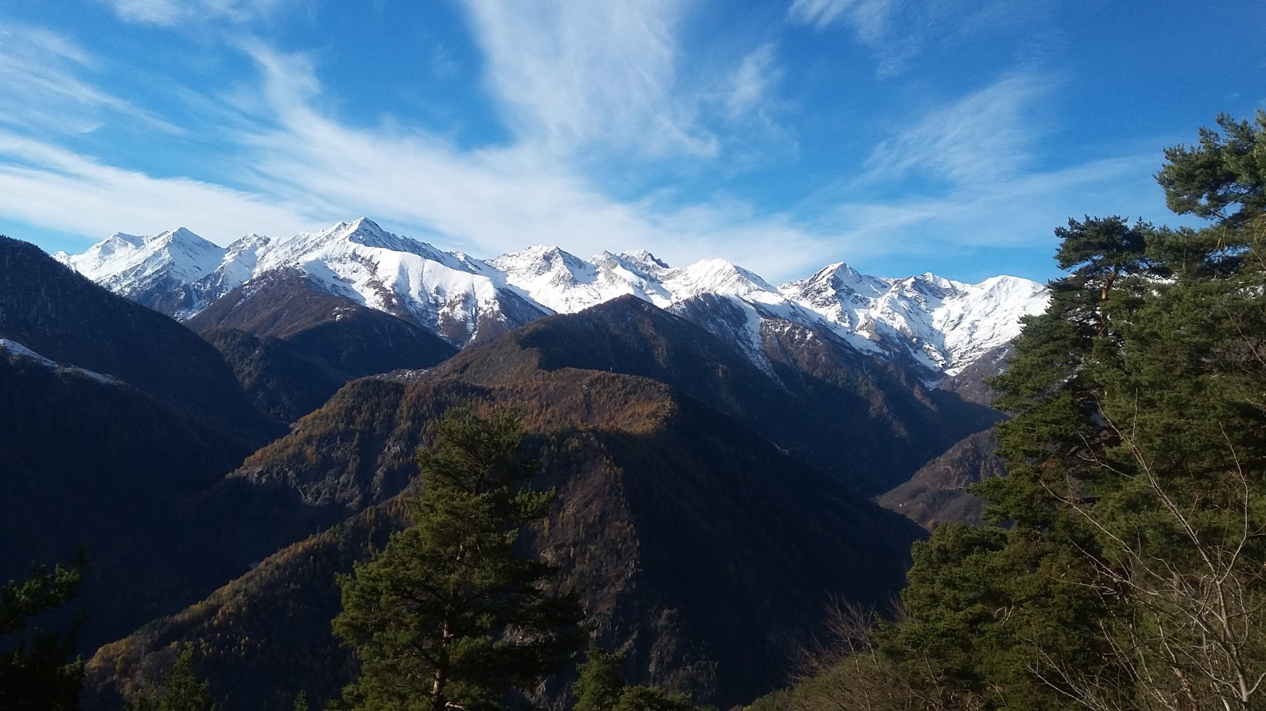 le cime del vallone di Rodoretto con in primo piano il crinale del Trusciera