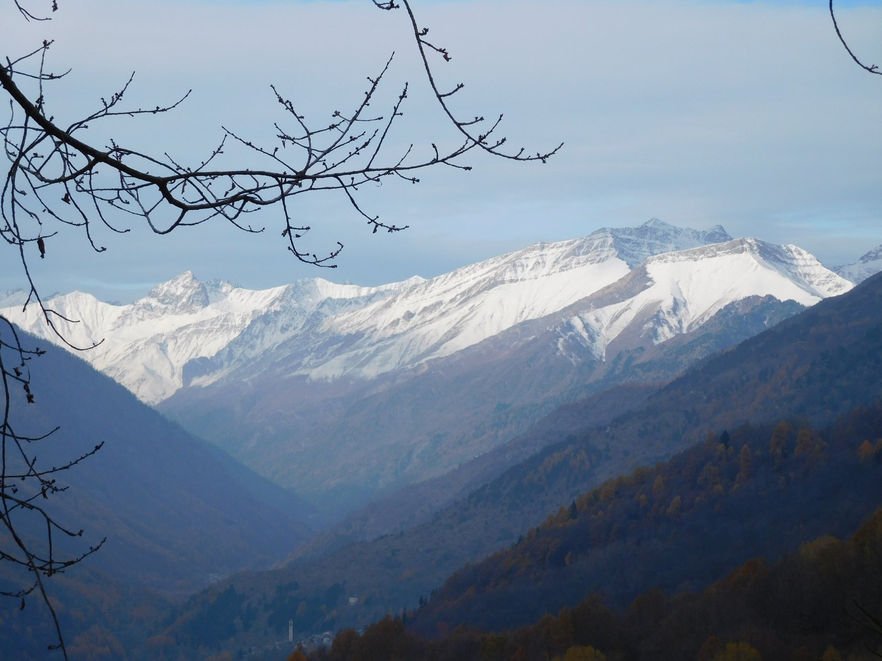 panorama verso l'alta valle