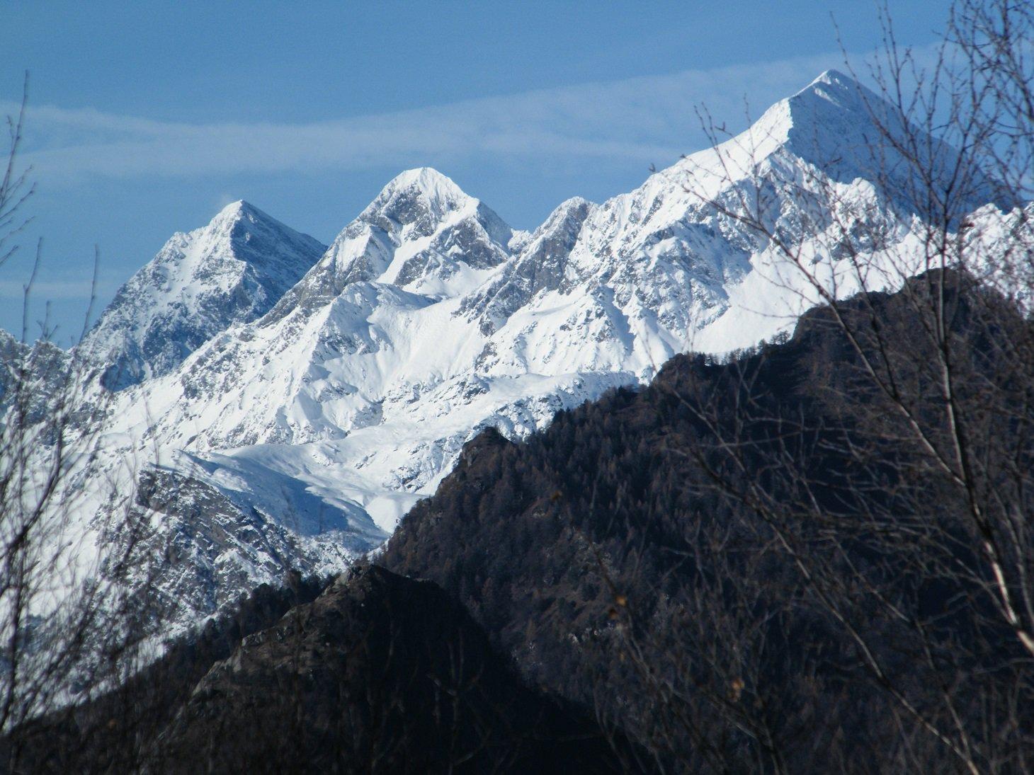 Dallo stesso punto verso Glacier, Delà e Tersiva.