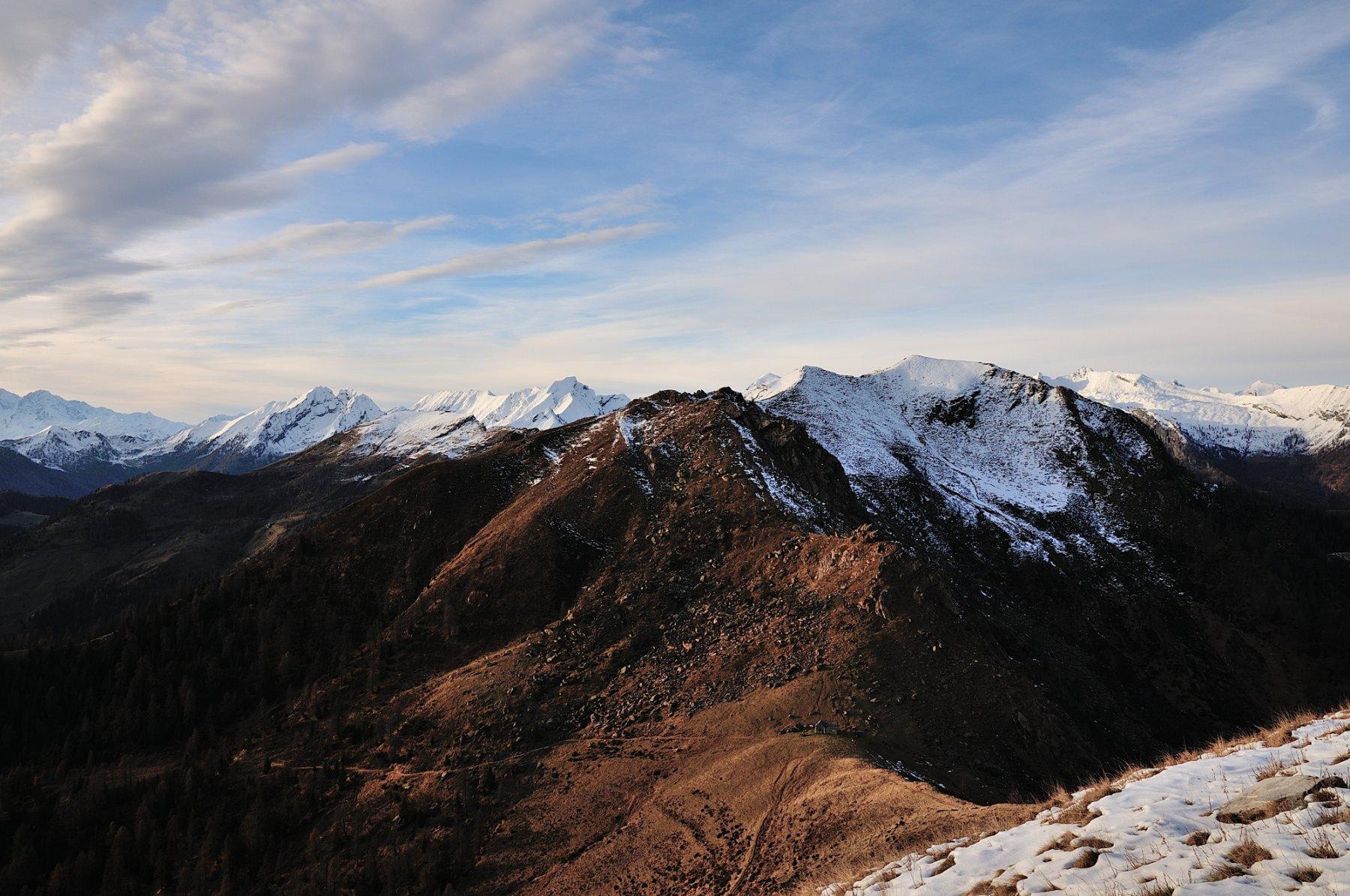 Vista dalla cima sulla Bocchetta di S. Antonio