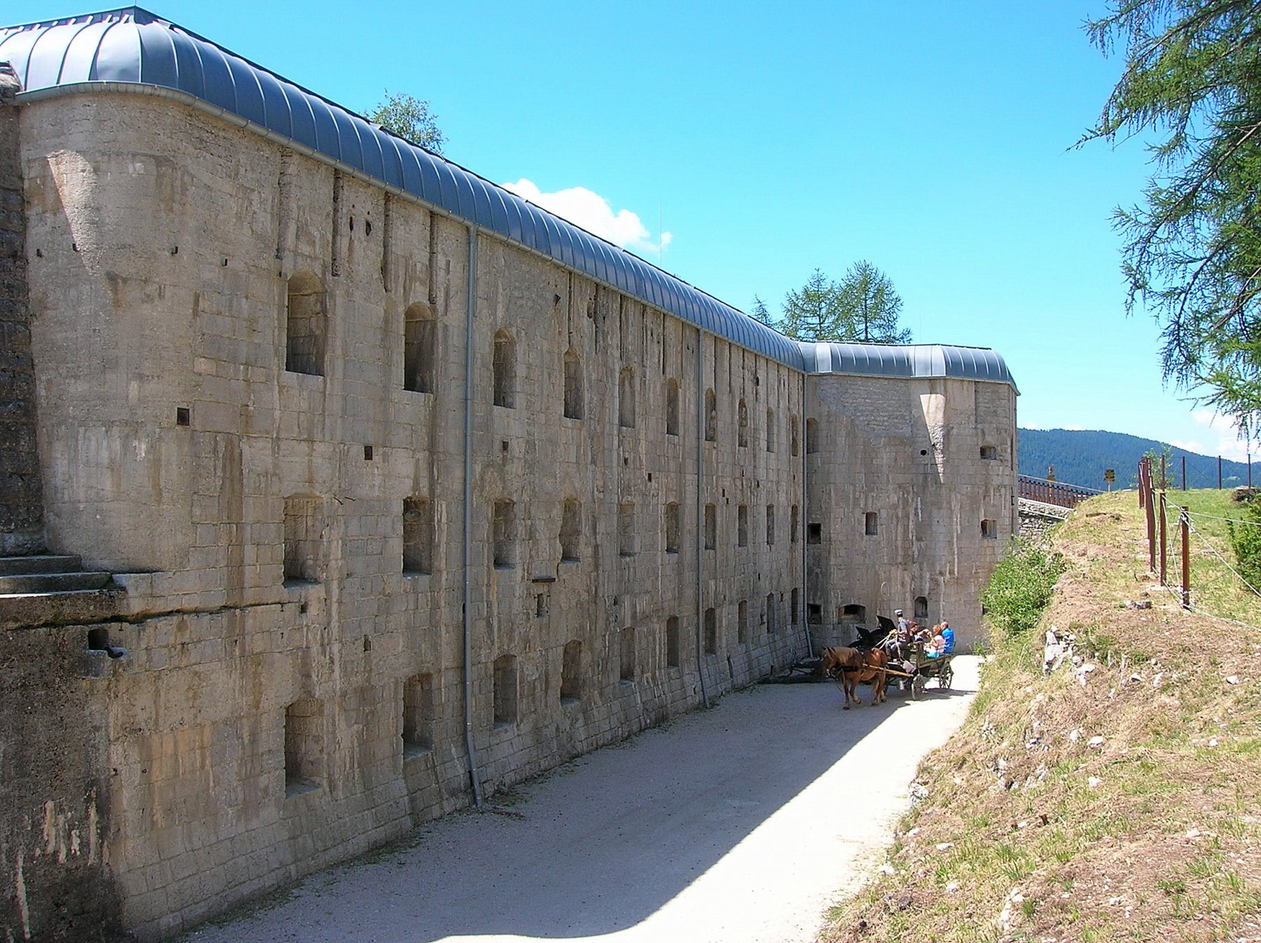Forte Belvedere Gschwent (1170 m) - Lavarone