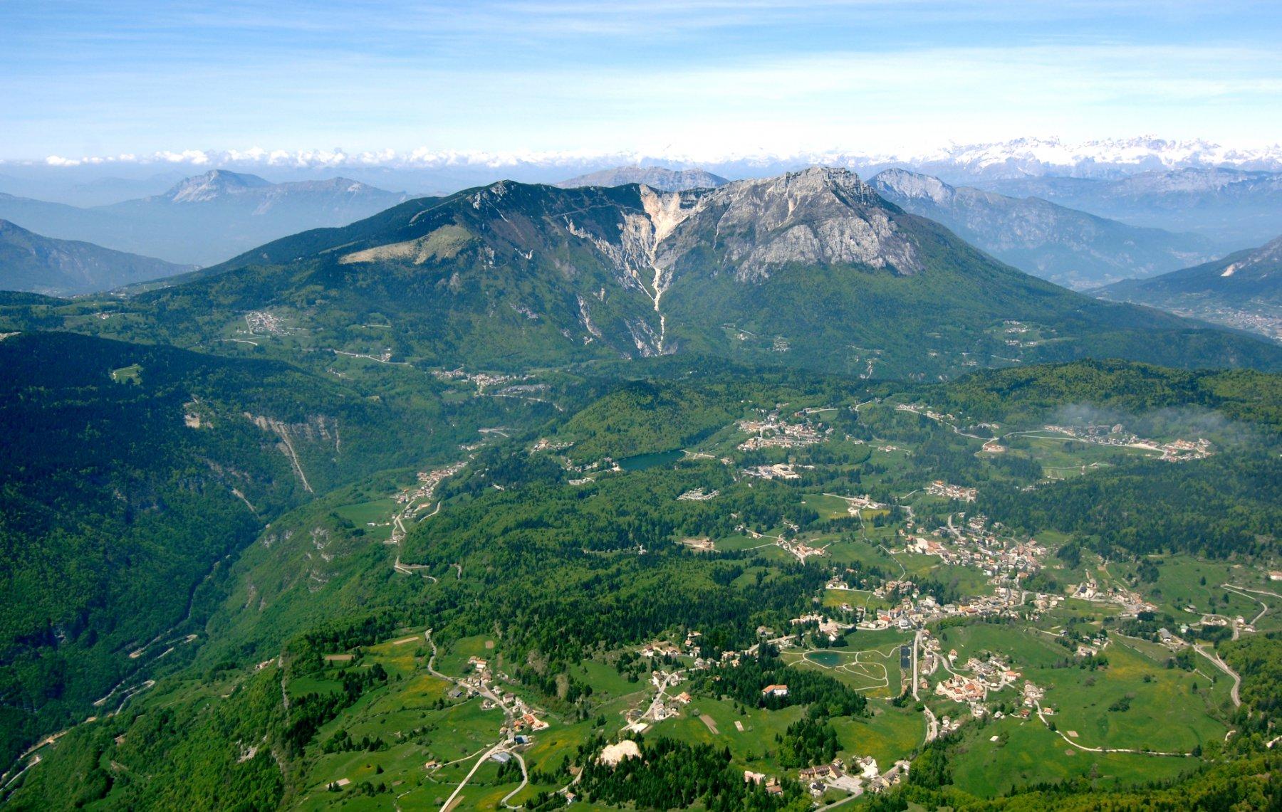 Veduta aerea di Lavarone (Foto C. Baroni)