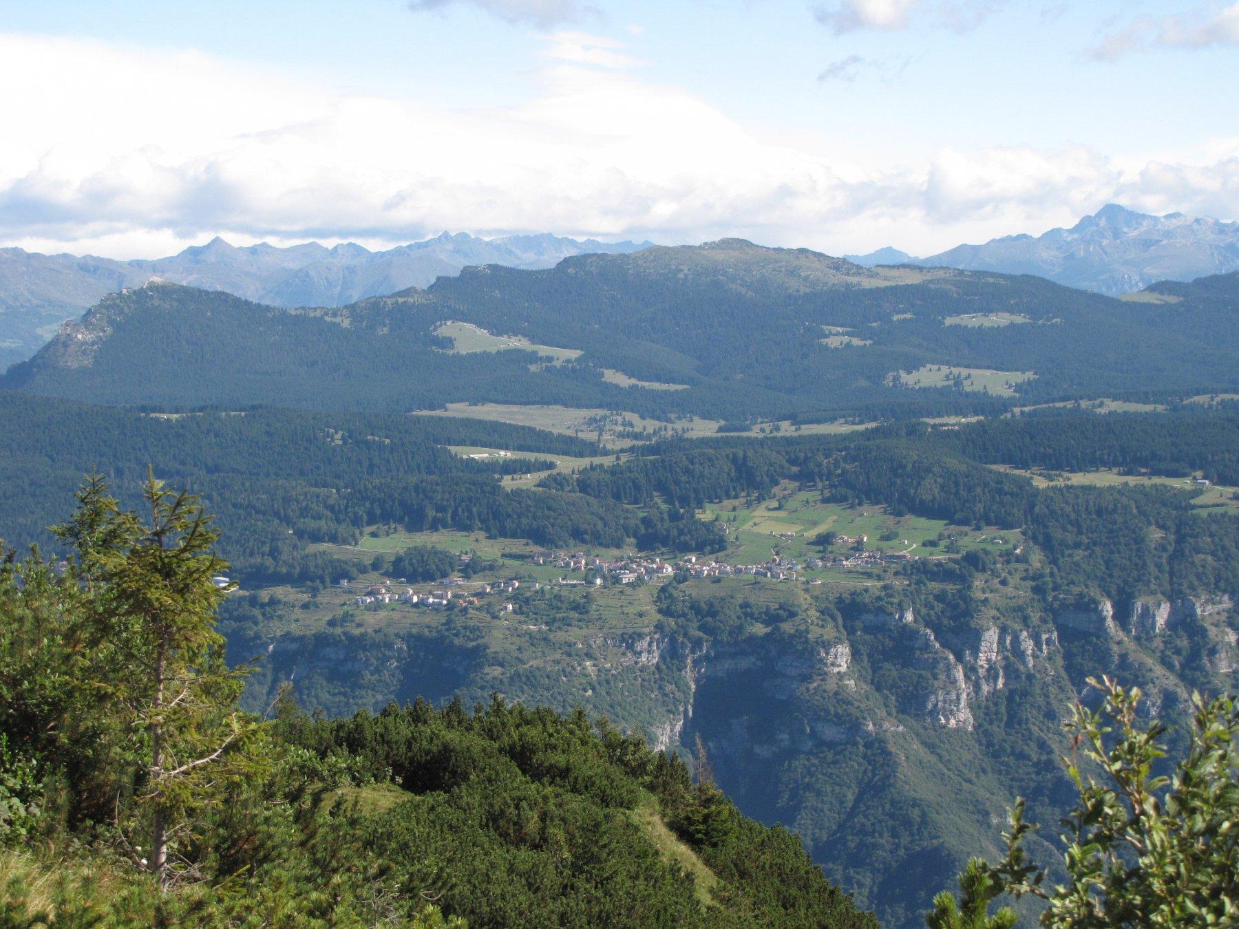Veduta panoramica dell'altopiano di Luserna da Campomolon