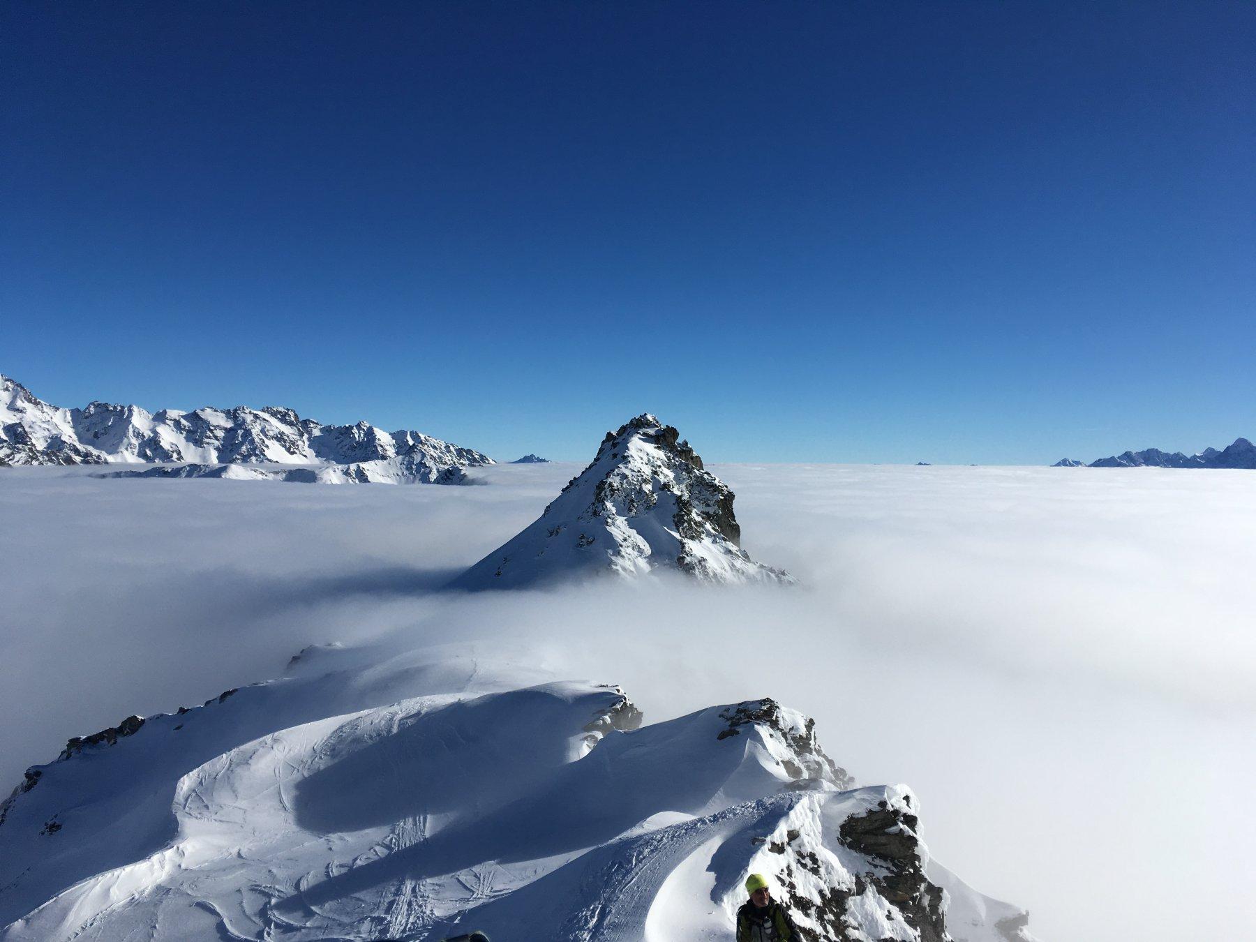 mare di nebbia alta
