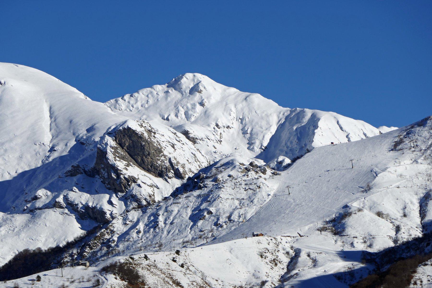 Zoom sul Marguareis, massima elevazione delle Alpi Liguri