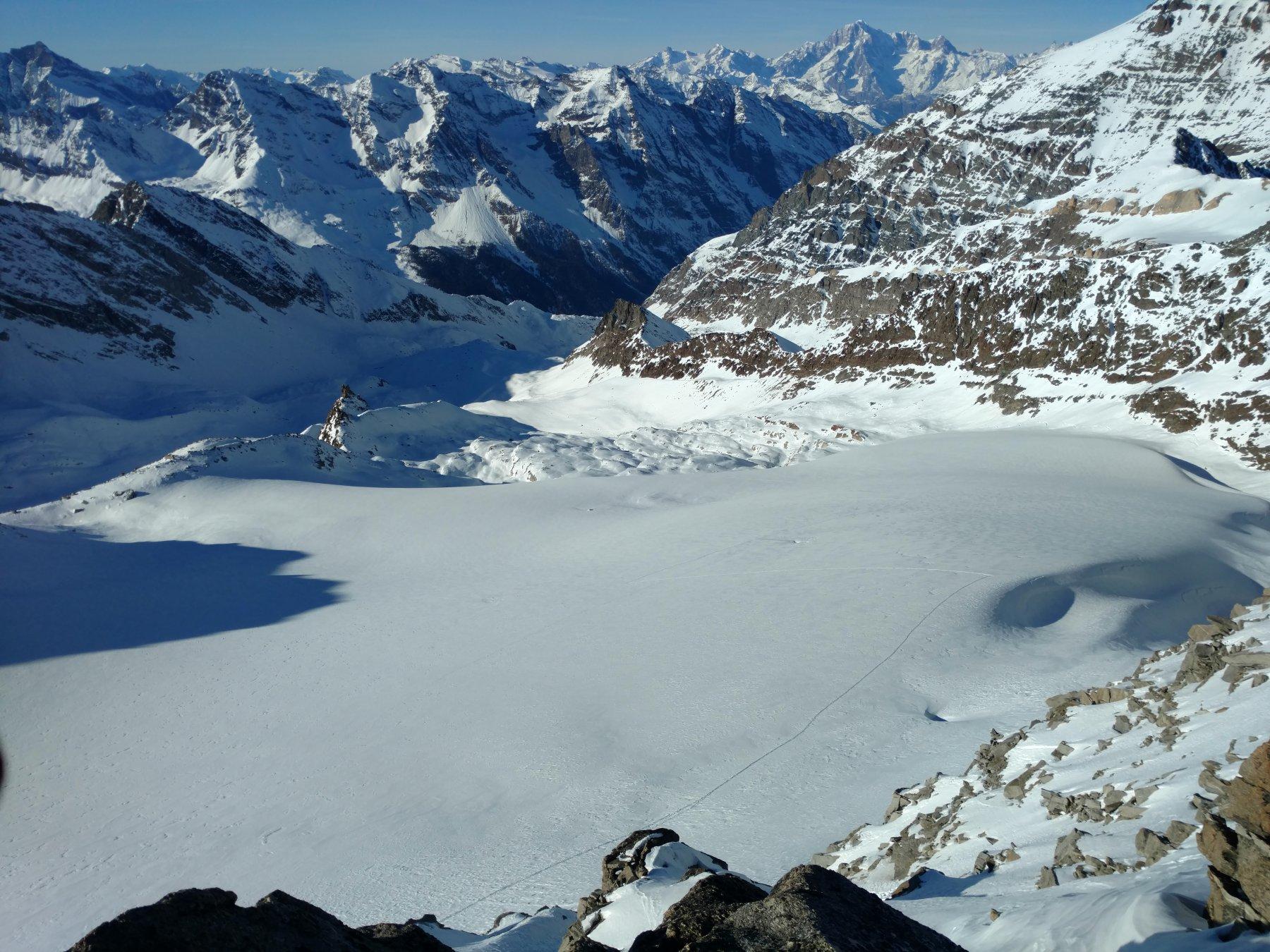 Dalla cima ghiacciaio di timorion