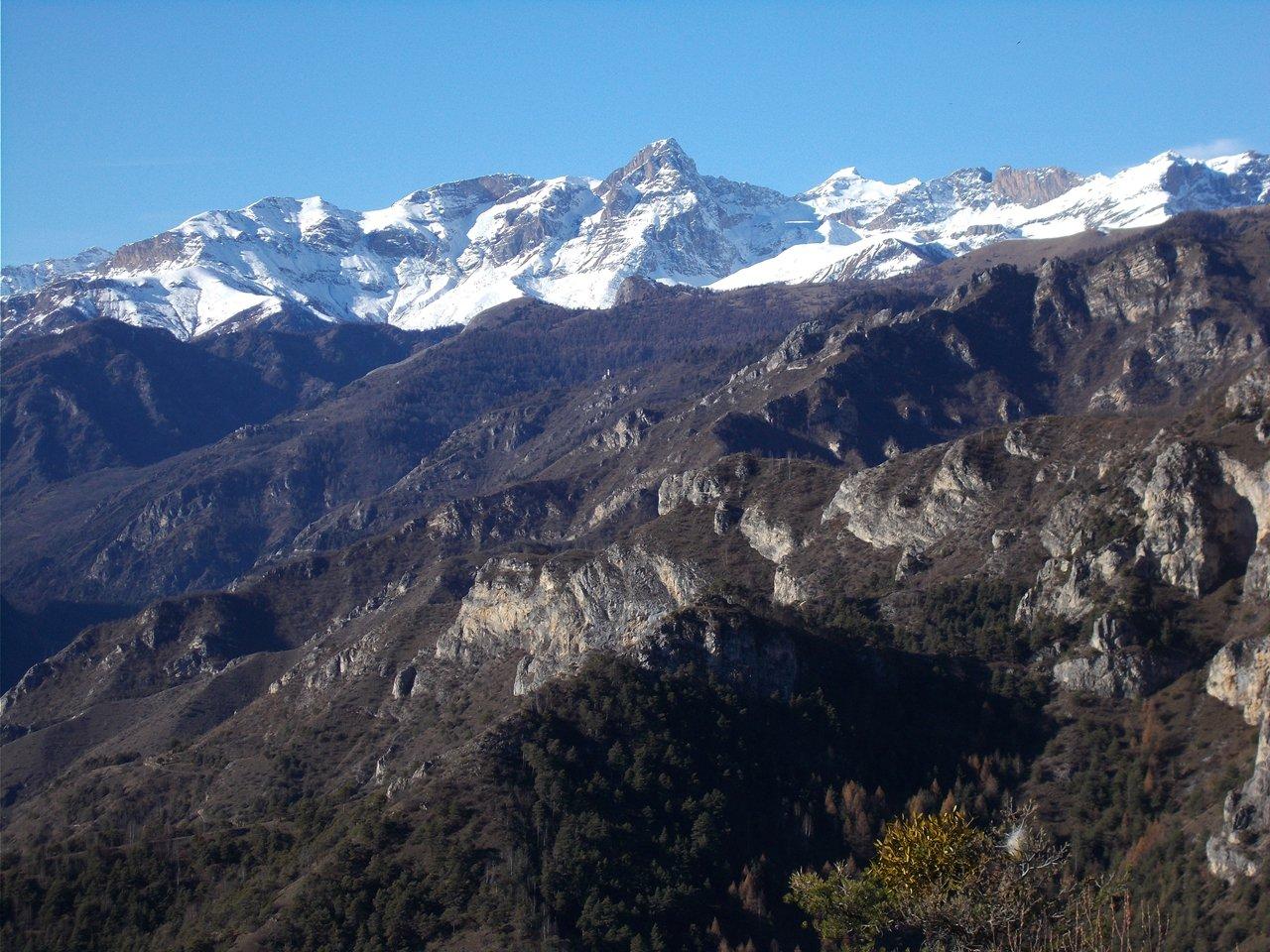 Alta Valle Maira  con il M.Chersogno