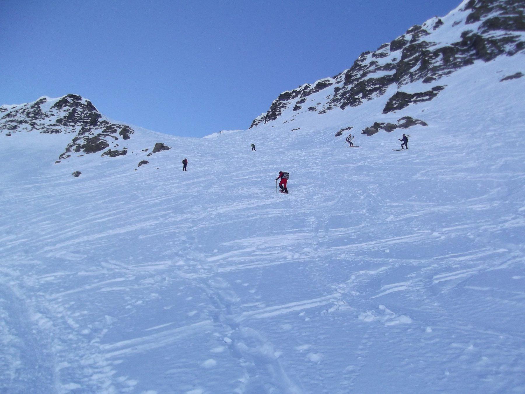 Canale e scialpinisti.