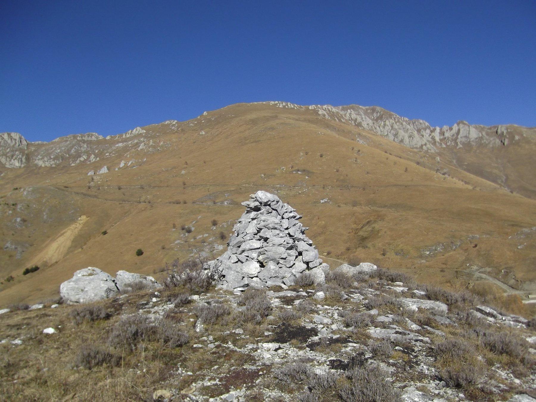 La salita per il Monte Antoroto da Rocca Fea (m.1539).