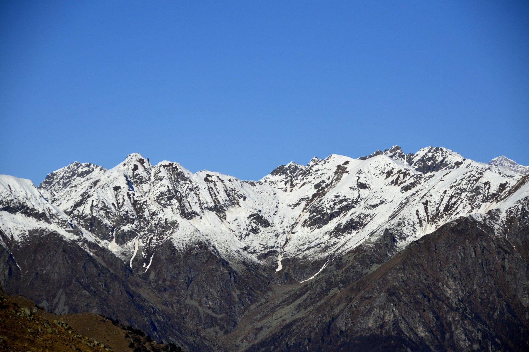 Testata dalla Valle Cervo dalla cima del Cucco