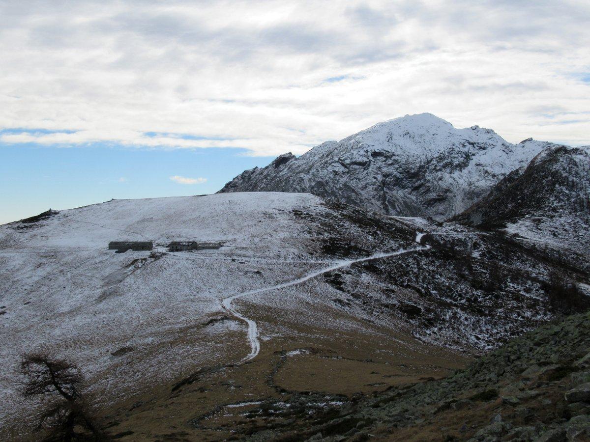 Alpe del Conte vista salendo alla Paian