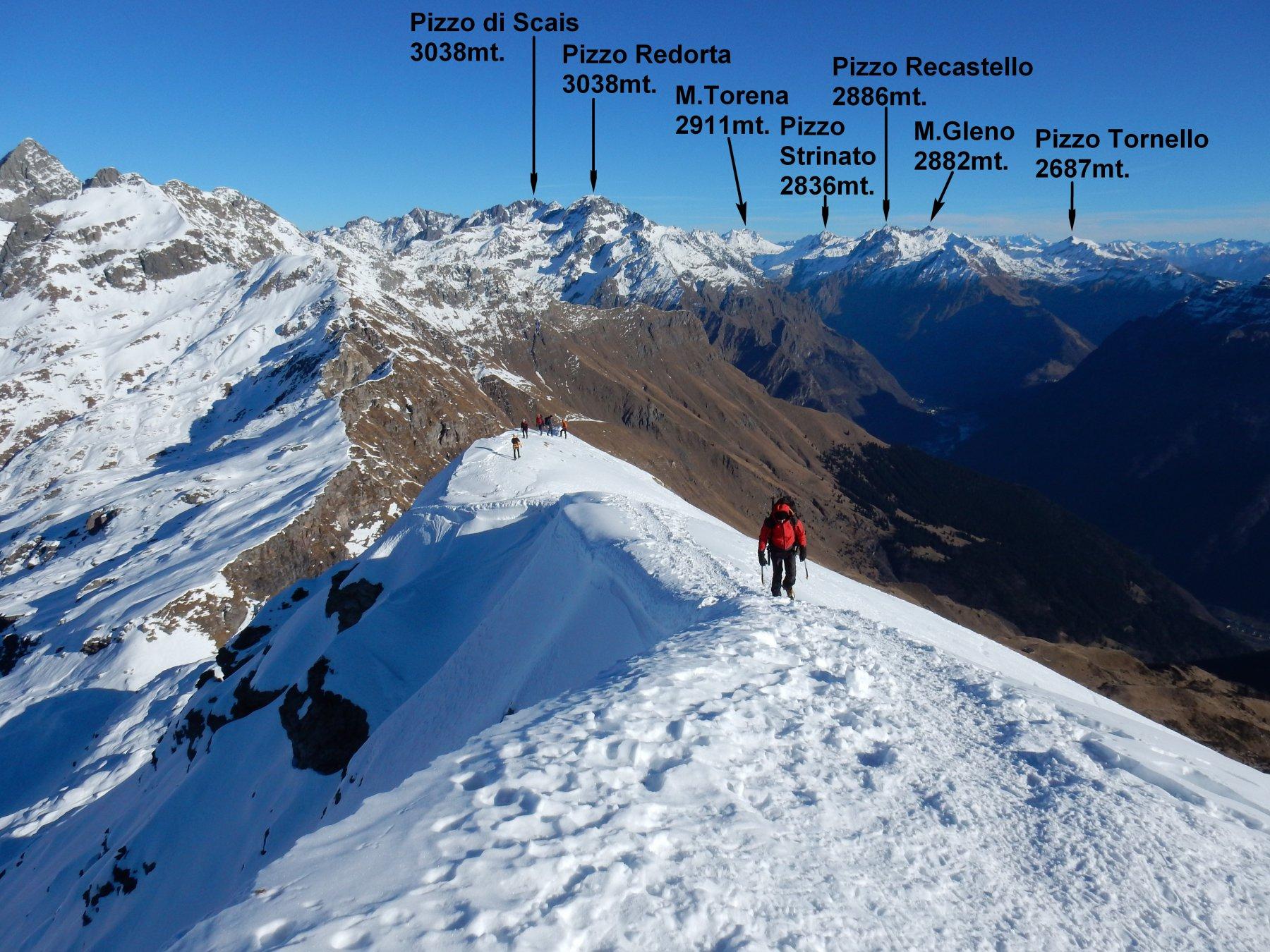 Gigi sull'ultimo breve tratto di cresta, prima della cima.