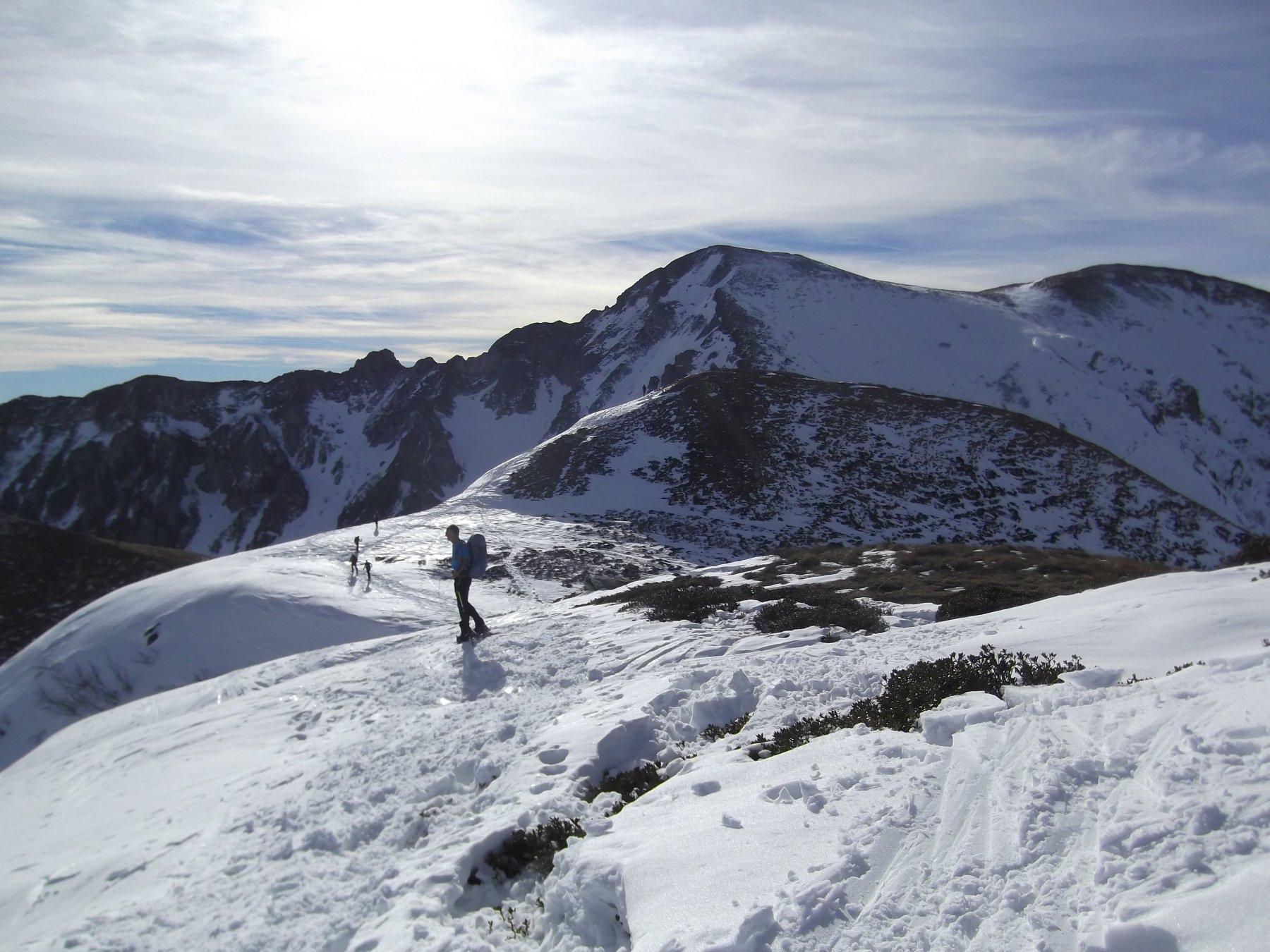 Il Monte Grosso con l'Antoroto dietro visto dalla cima gemella.