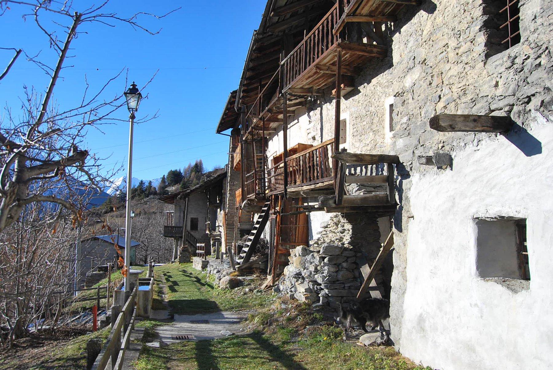 Nel villaggio di Charvaz