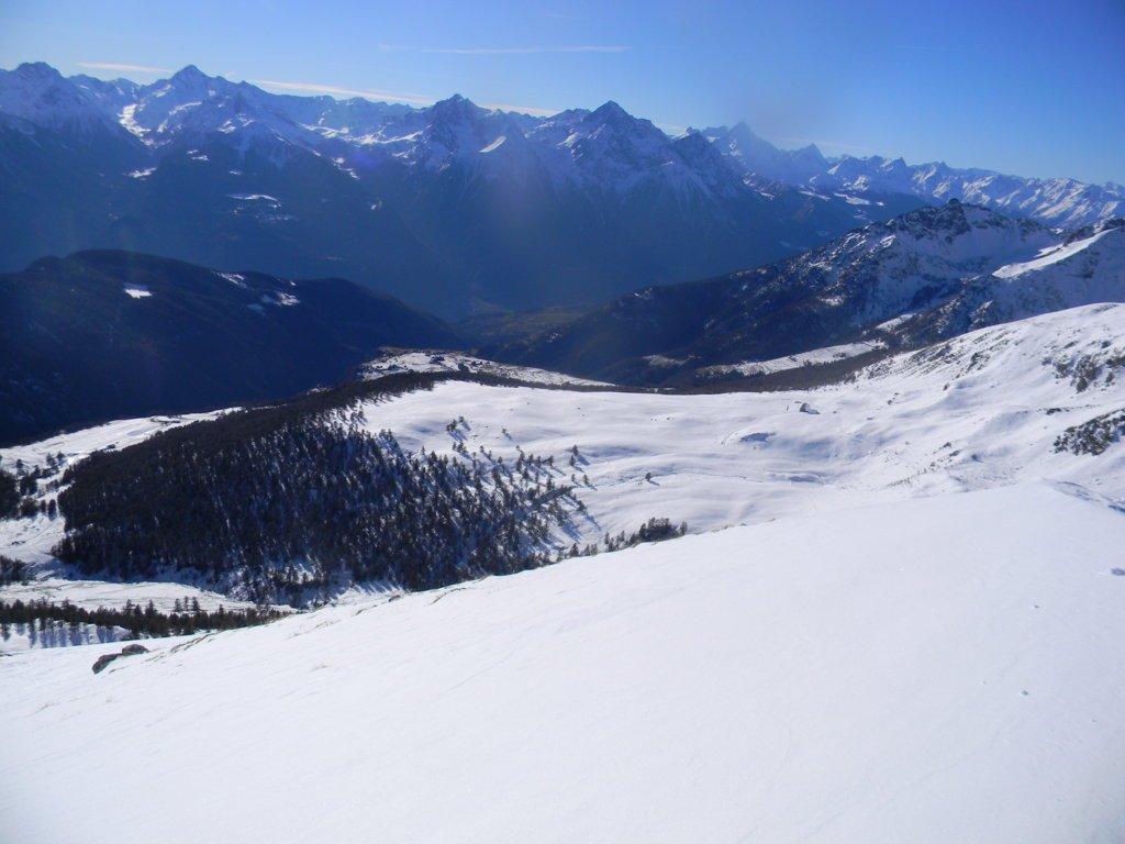 dalla cima verso l'alpe Fontaney e a sx il park