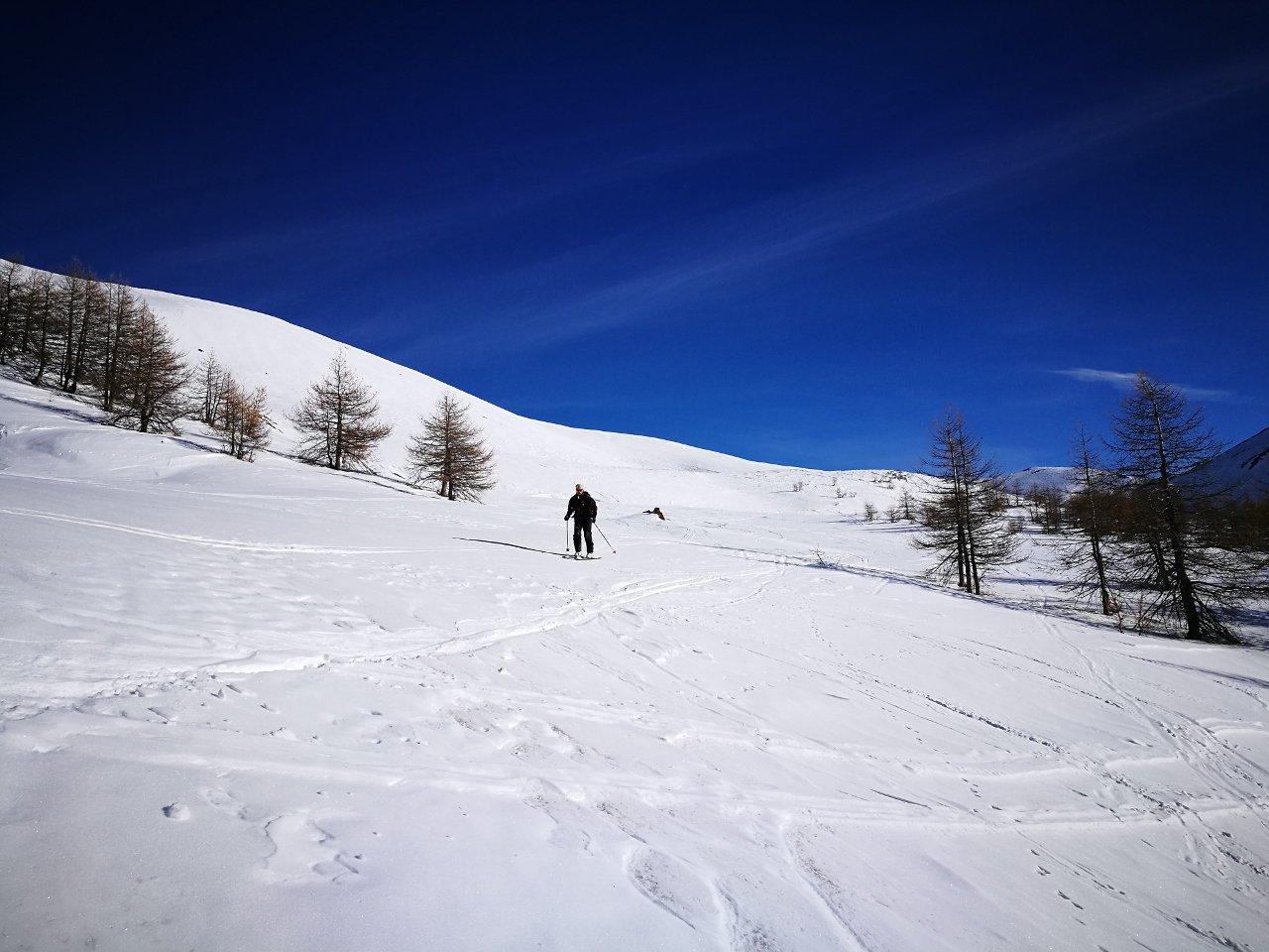 03 - scendendo su neve primaverile in basso