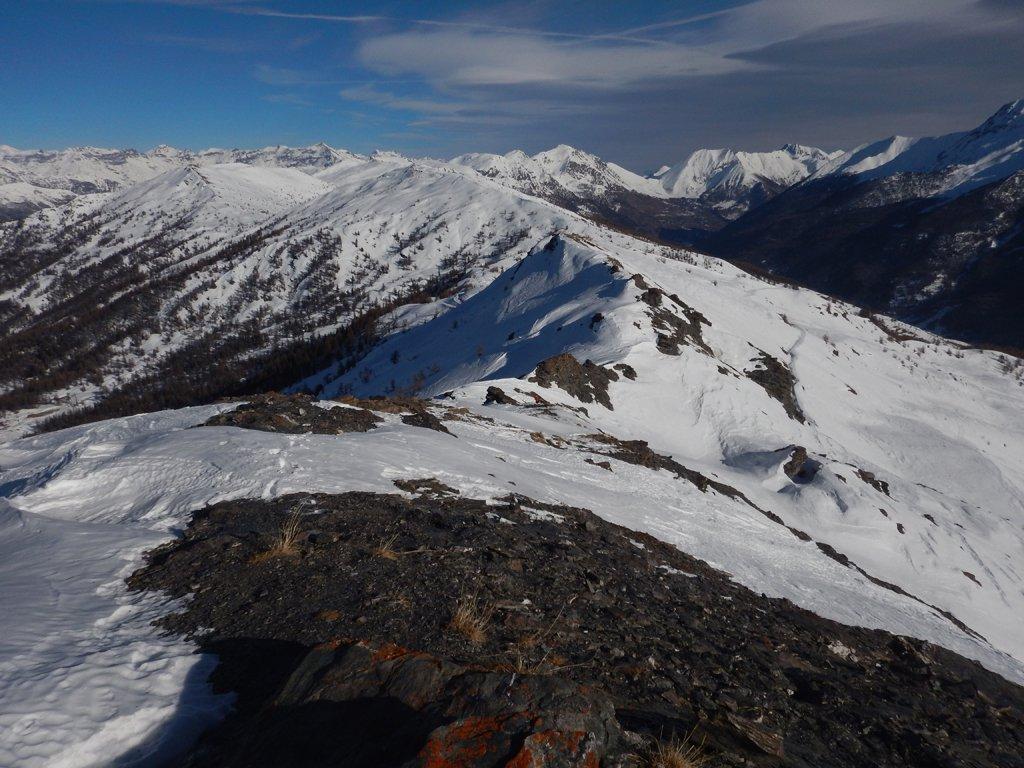 Vista della cresta di salita direzione colle delle Finestre