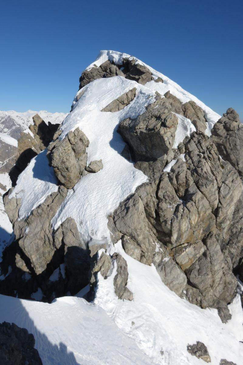 la via di cresta per la cima nord