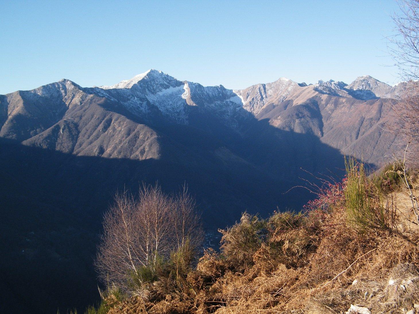 Il gruppo del Monte Zeda visto da Olzeno.