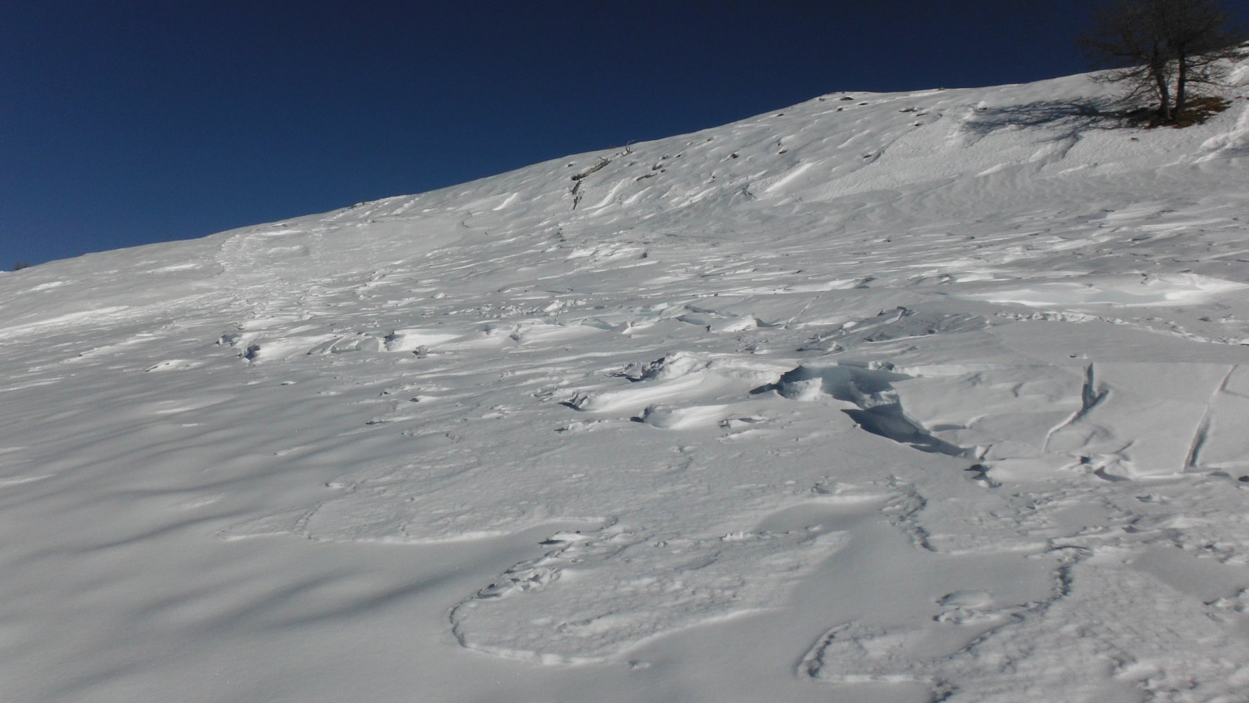 Le croste di neve spostate dal vento...