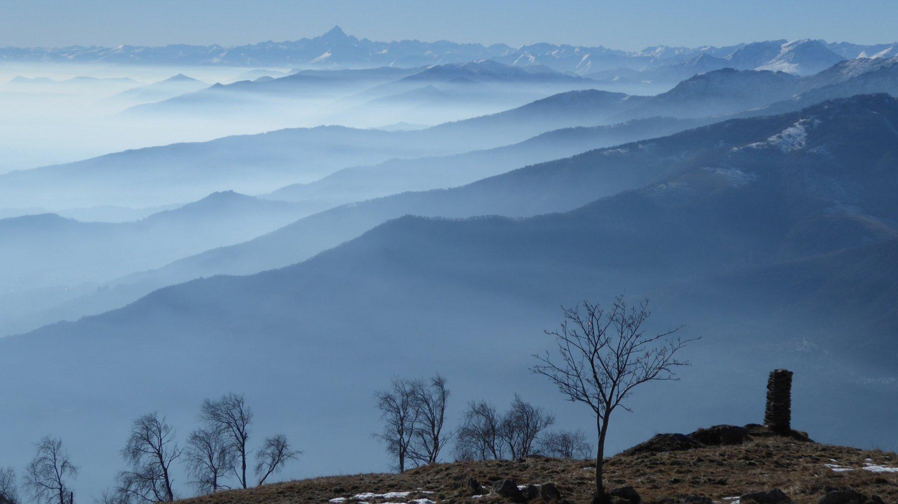 Nuvolaglia sul fondo delle valli