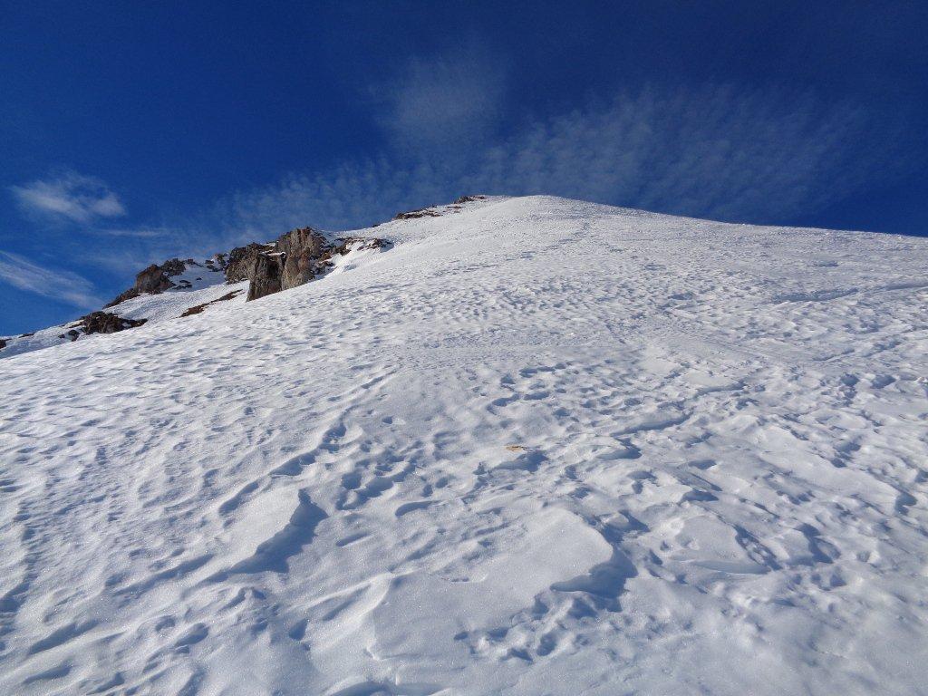 in alto neve marmorea