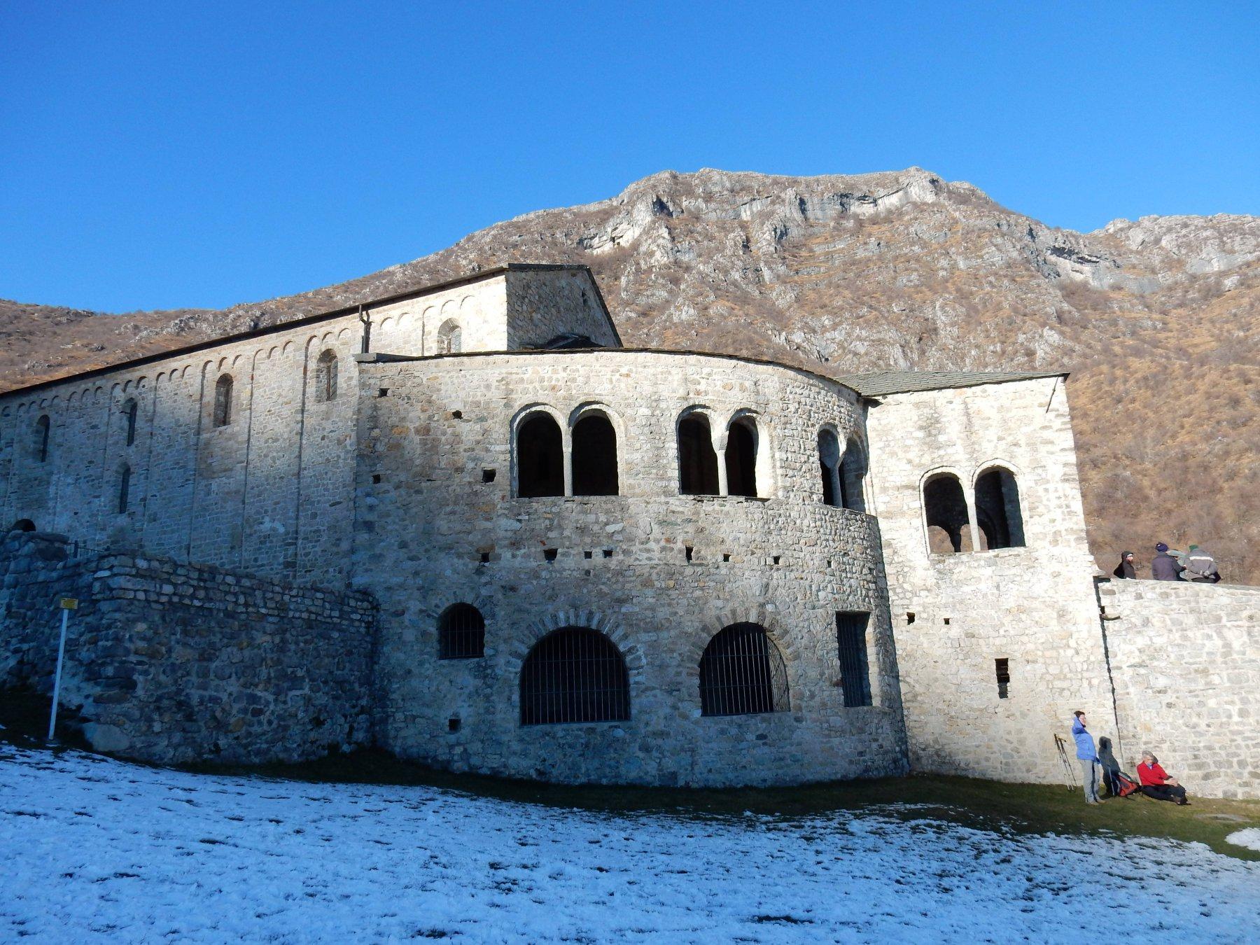Piccola visita alla Basilica di San Pietro al Monte 663mt.