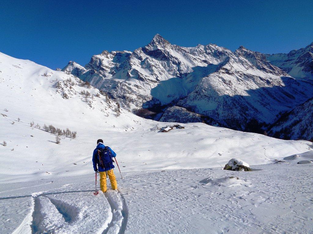 sopra gli alpeggi de la Tsa, 2235m