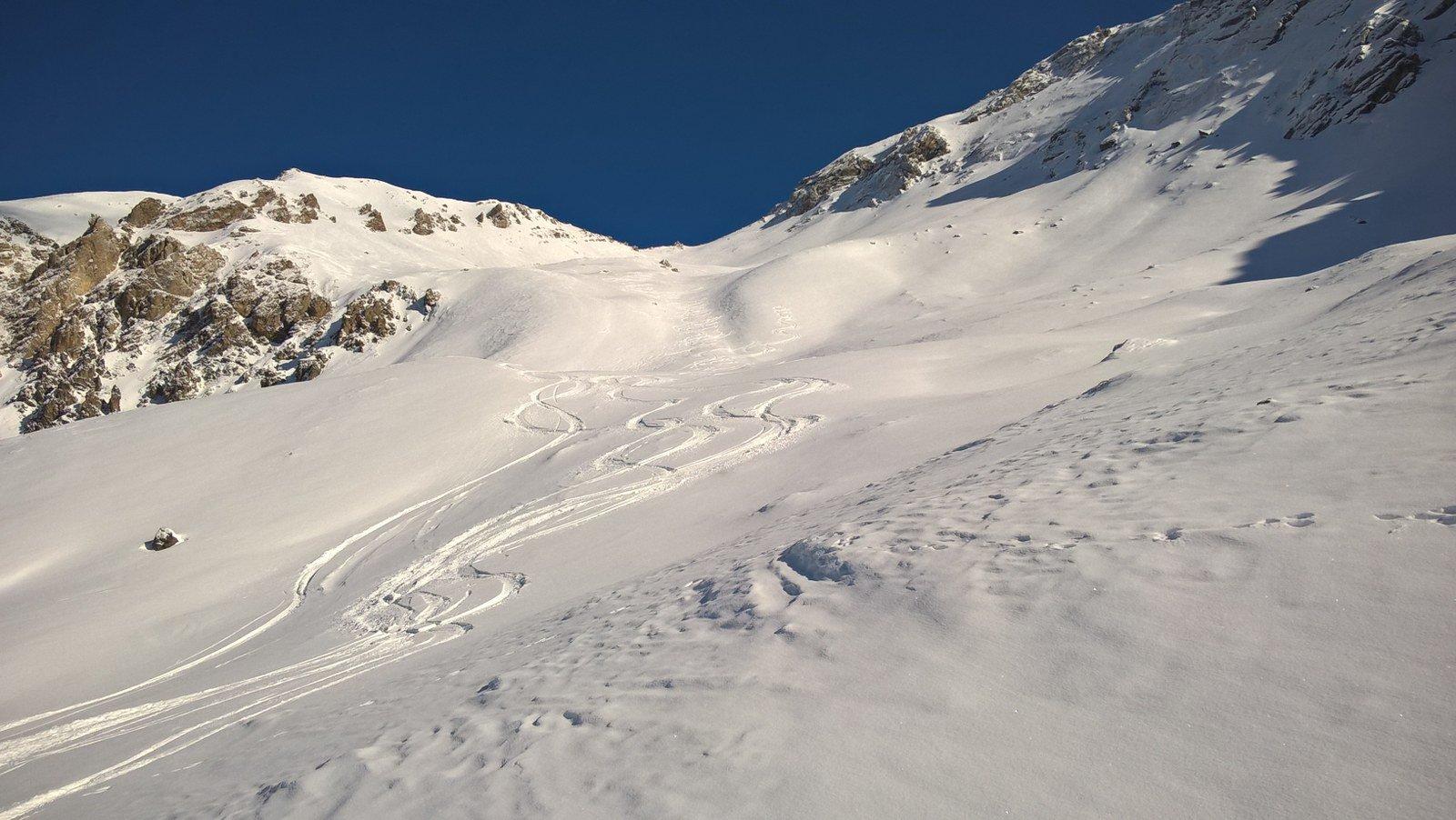 Bella neve sotto il colle