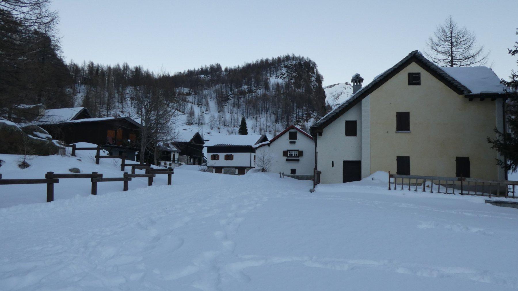 arrivando alla Borgata Canton dell'Alpe Devero