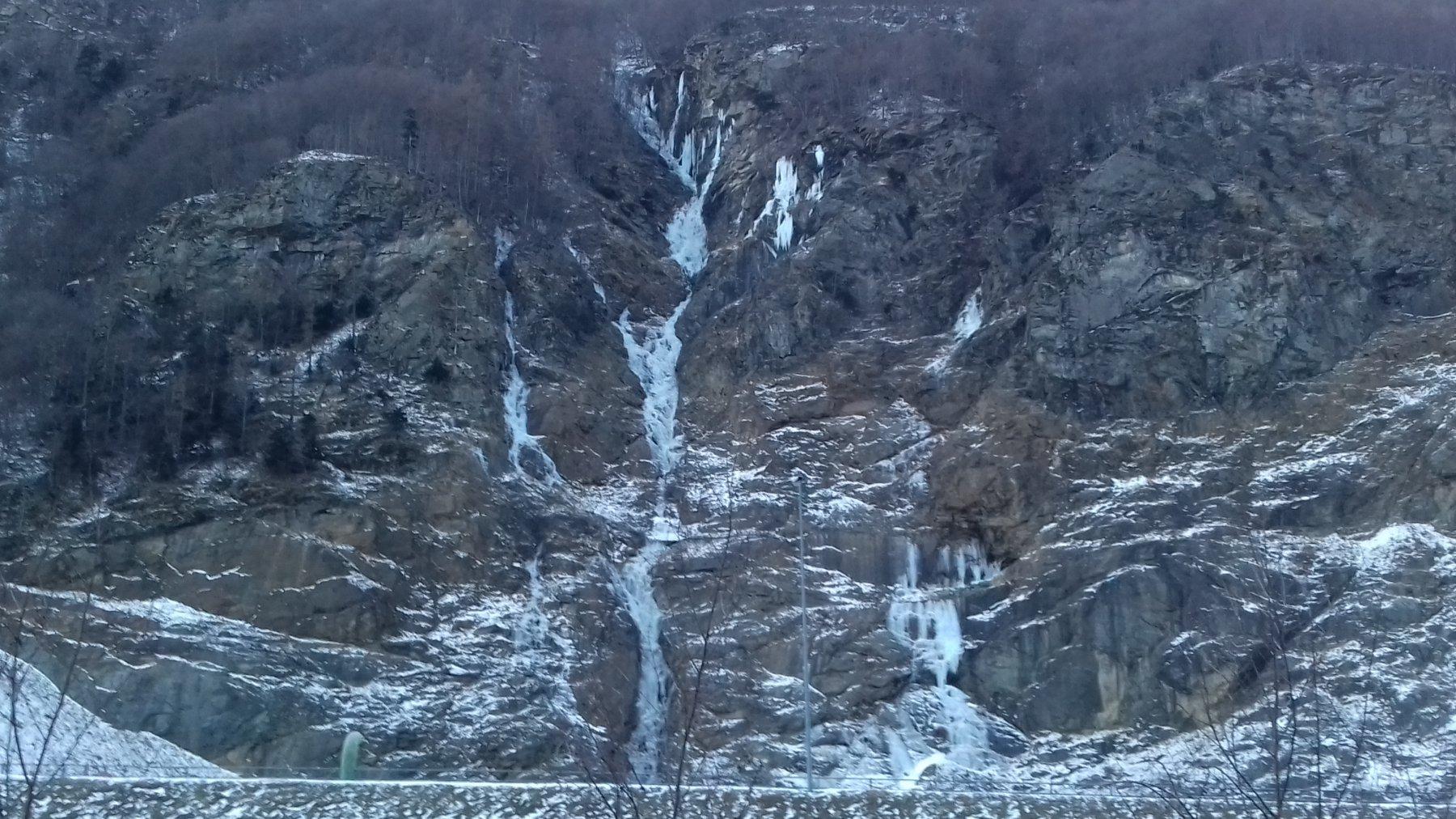 Prima cascata della diga