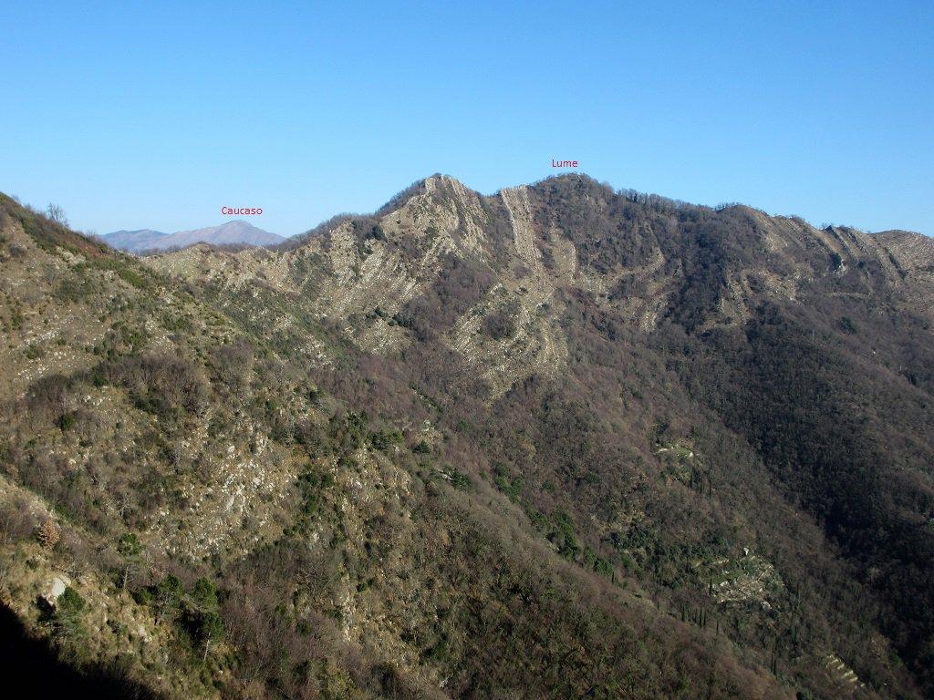 Uno sguardo alla cresta del Manico