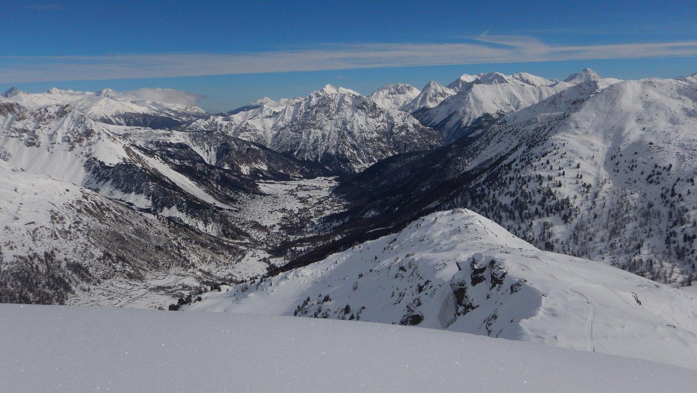 Vista verso Nevache dalla cresta