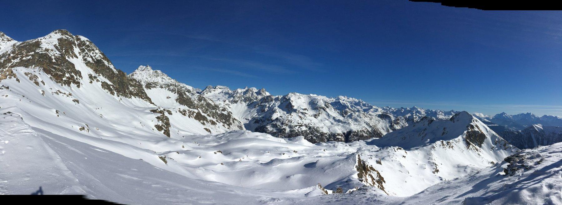 panoramica dalla vetta verso il monte Rosa