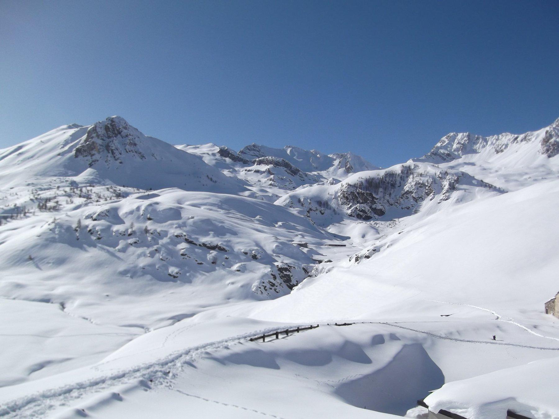 L'itinerario visto dal Col di Preit.
