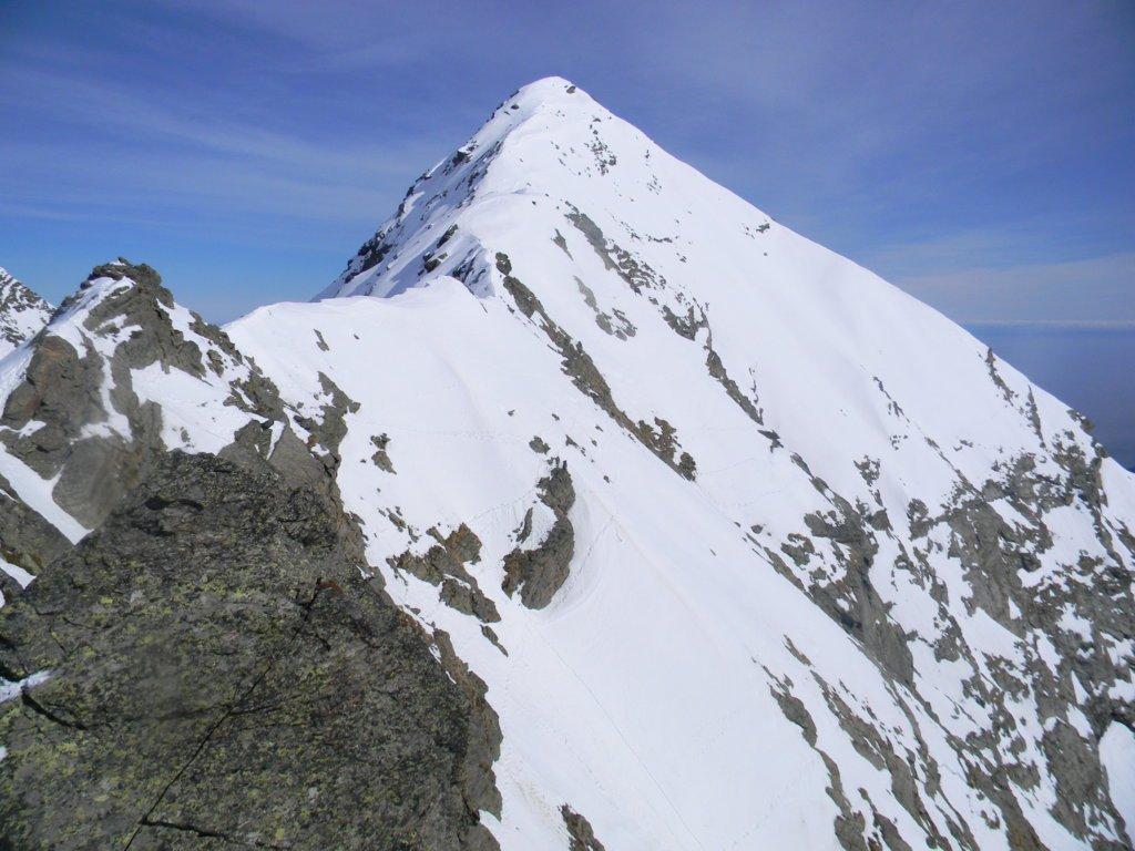 dalla cima il Cornour con la sua cresta SO