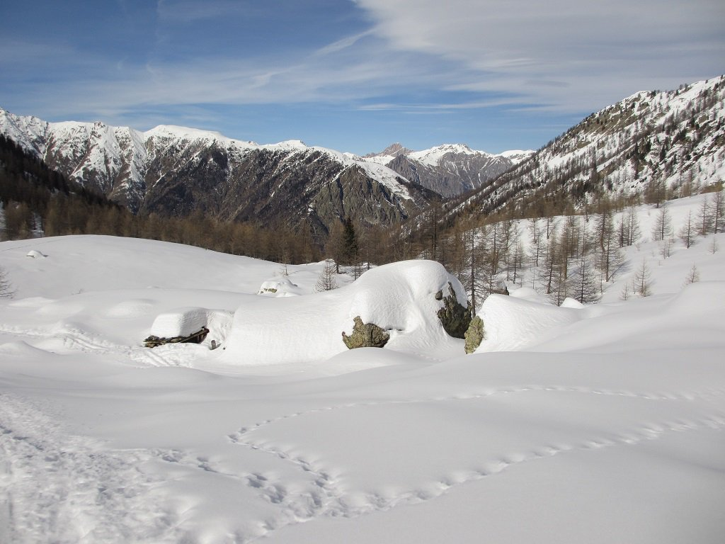 La baita sommersa dalla neve