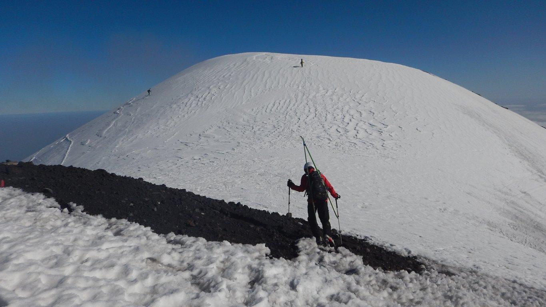 Salita sci in spalle verso la Montagnola
