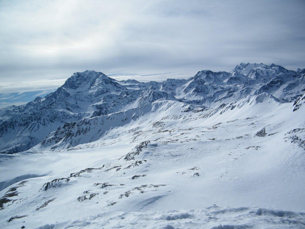 Panorama dall'Arezhorn. Si vedono bene Fletschhorn e Mitschabel