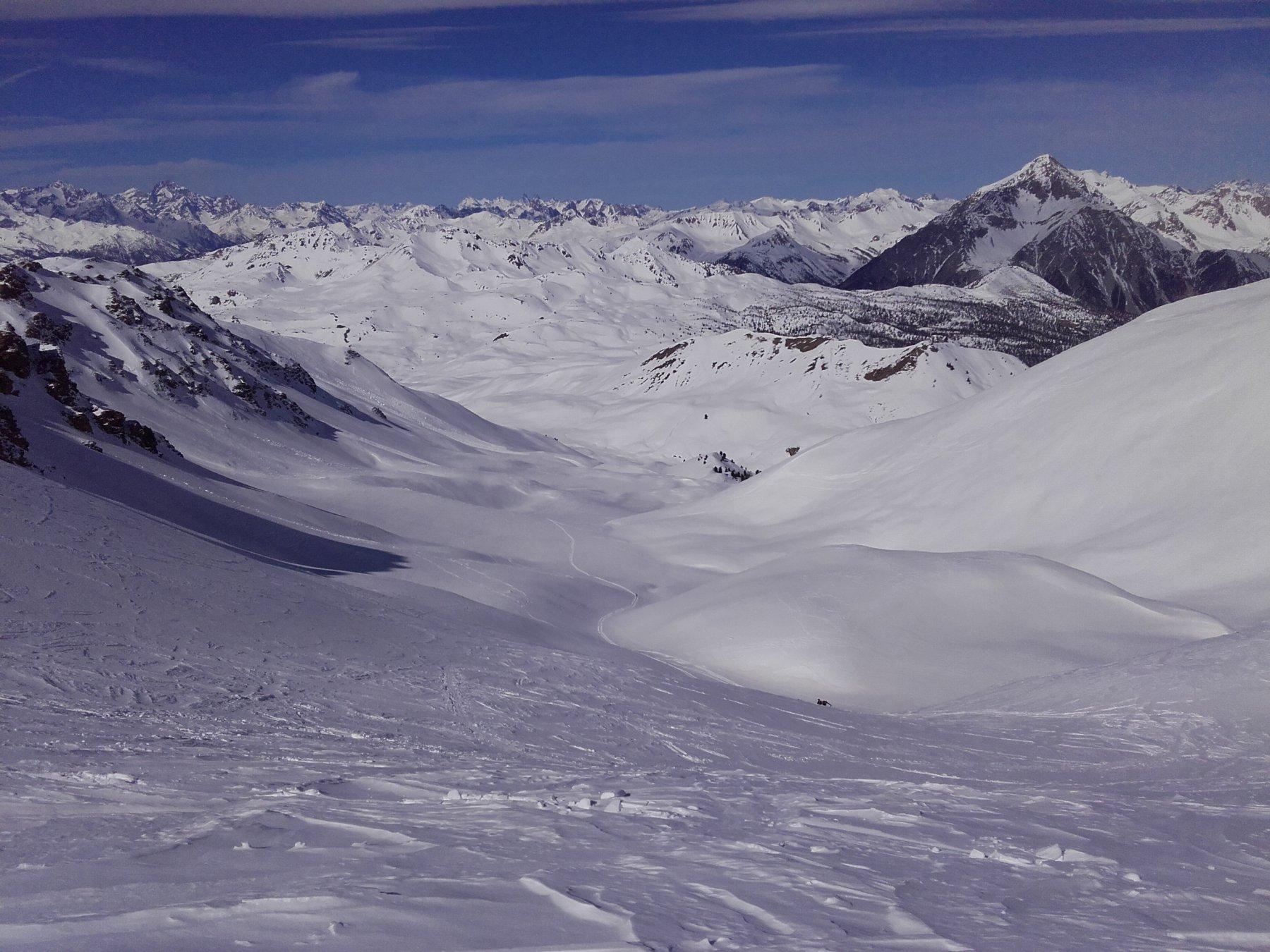 Il vallone della Dormillouse dai pressi della cima