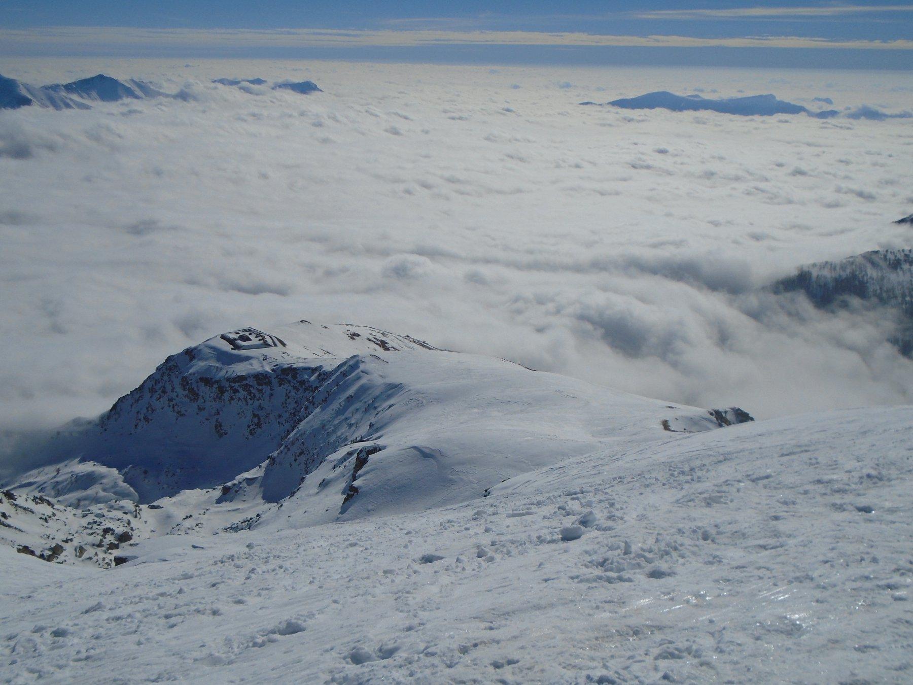 Forte Giaura sul mare di nubi