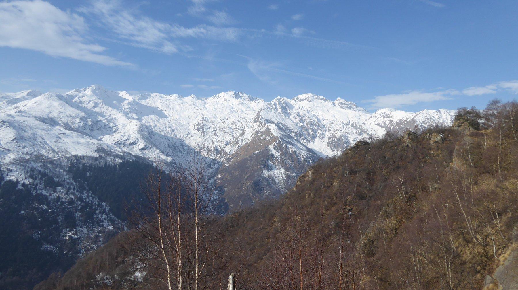 Le montagne innevate dell'Invers