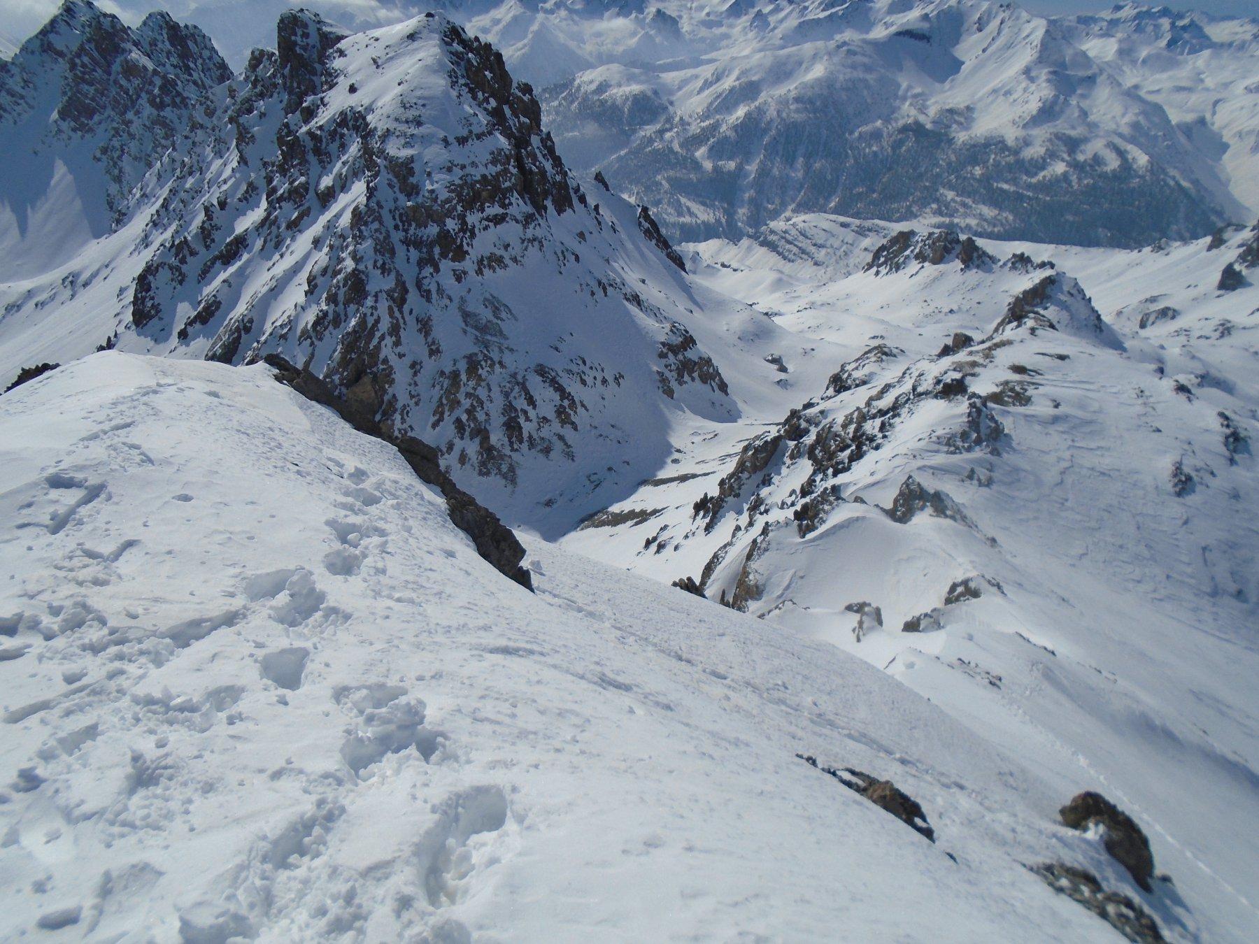 Dalla vetta verso P.Vanclava; a sx Colle e Monte Scaletta