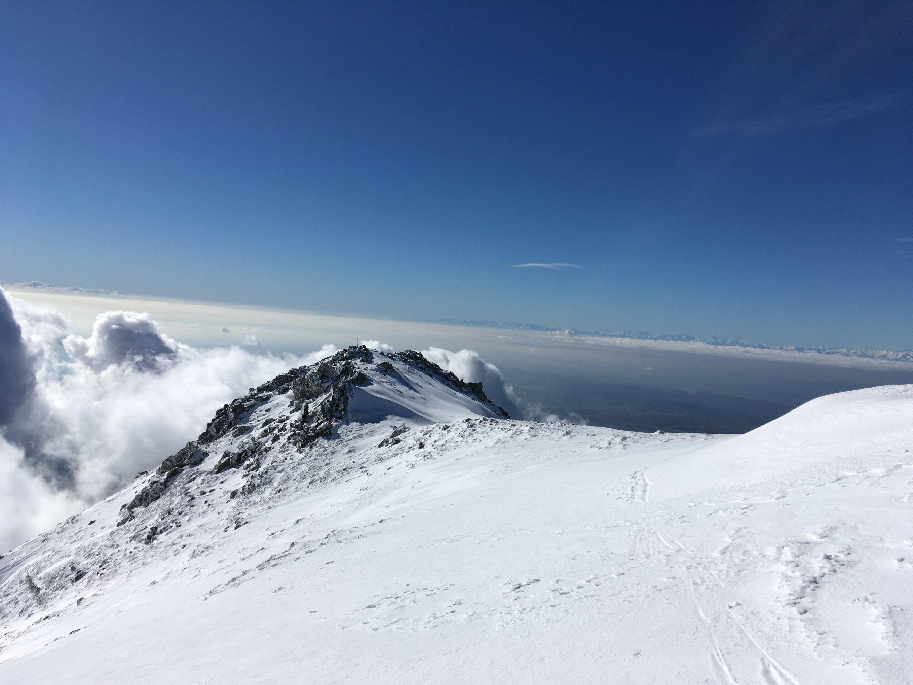 dalla cima verso il Canavese