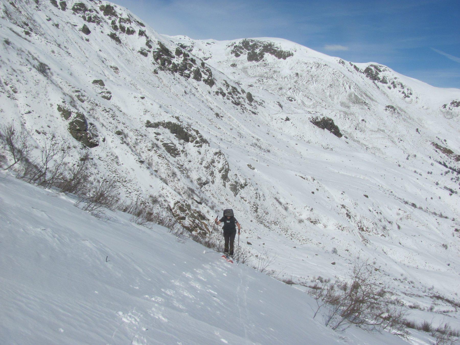 tratto su neve dura, salendo lungo il vecchio impianto
