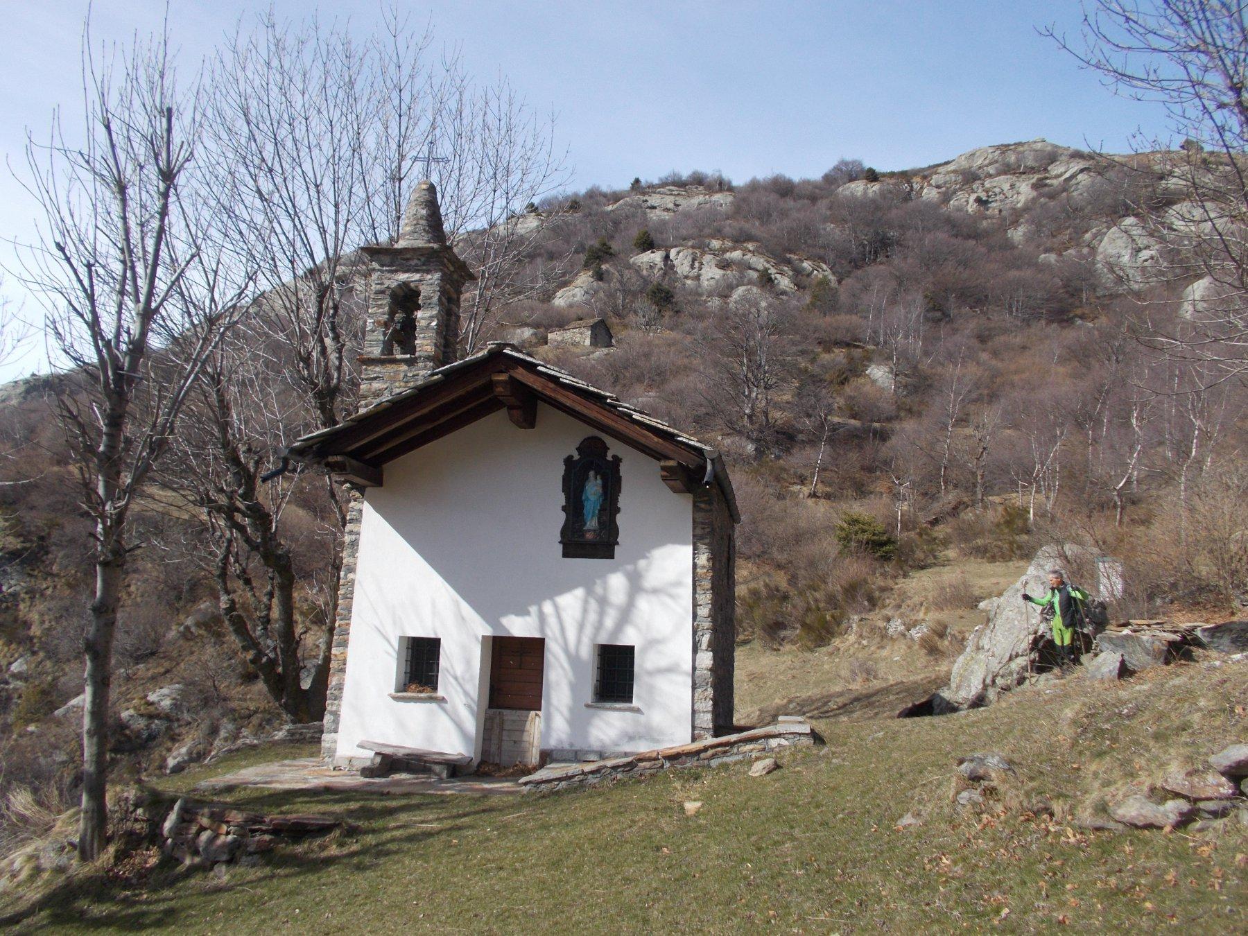 la pittoresca chiesetta di Verale..