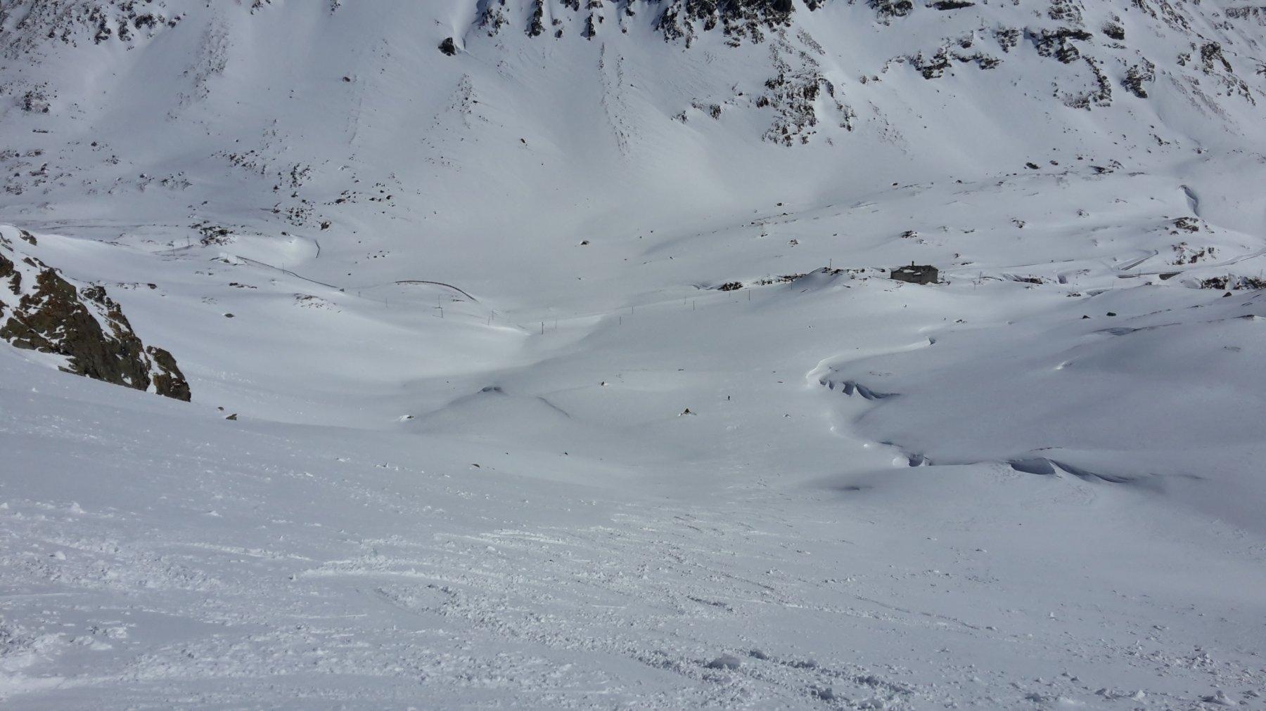 discesa diretta sulla cantoniera con bella neve