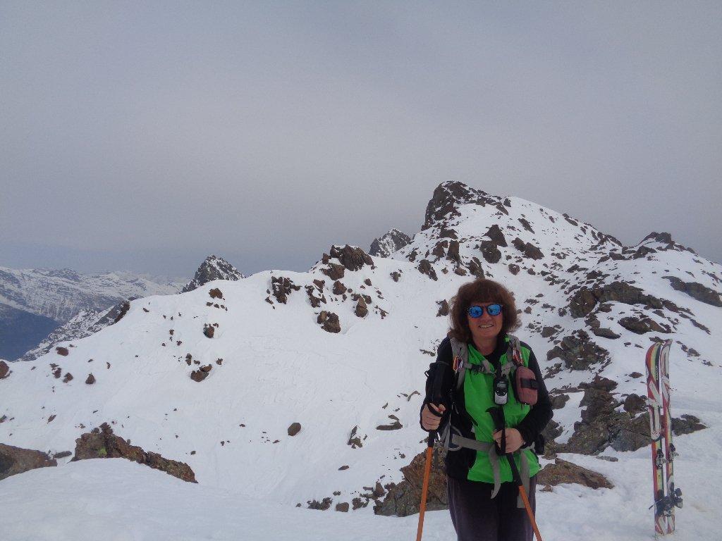 con la vetta alpinistica, 2910m