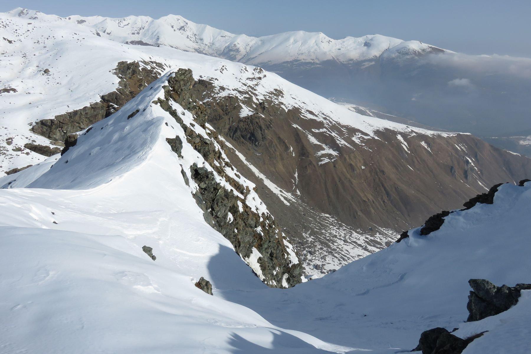 alla sella fra la cima e l'anticima nord (sulla sx)