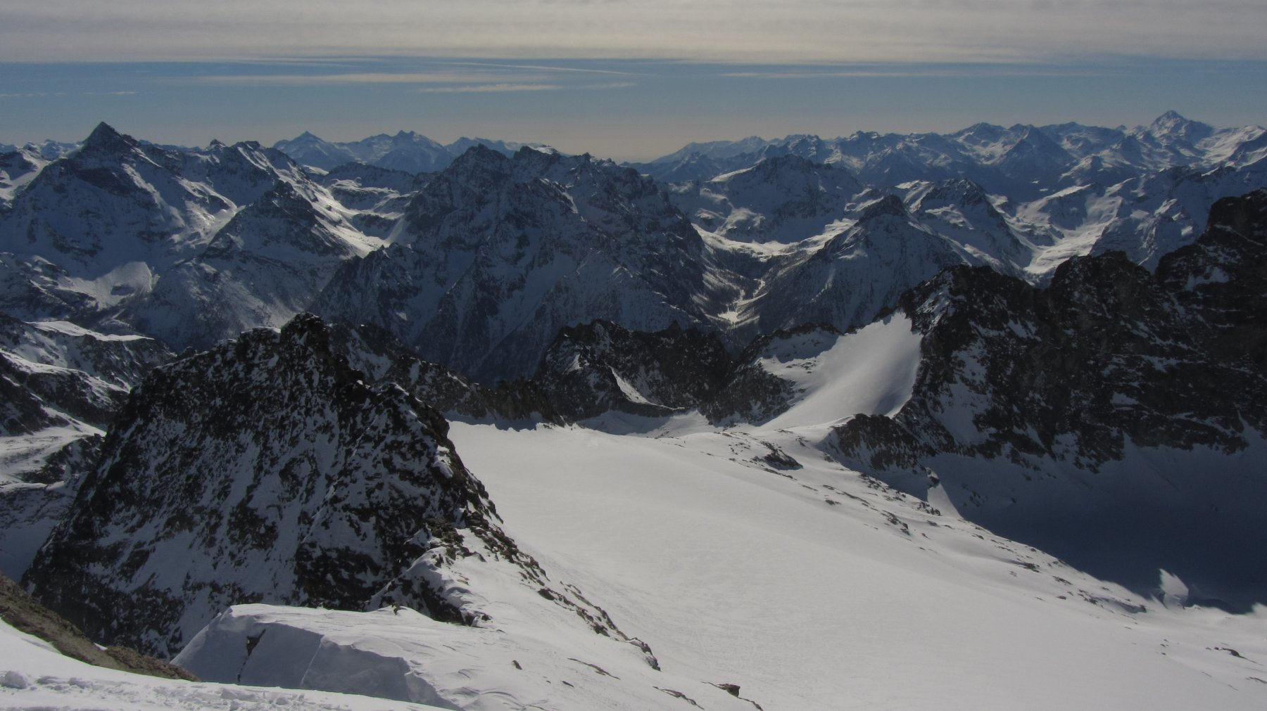 Il ghiaccio del Mont Gelè visto dalla cima